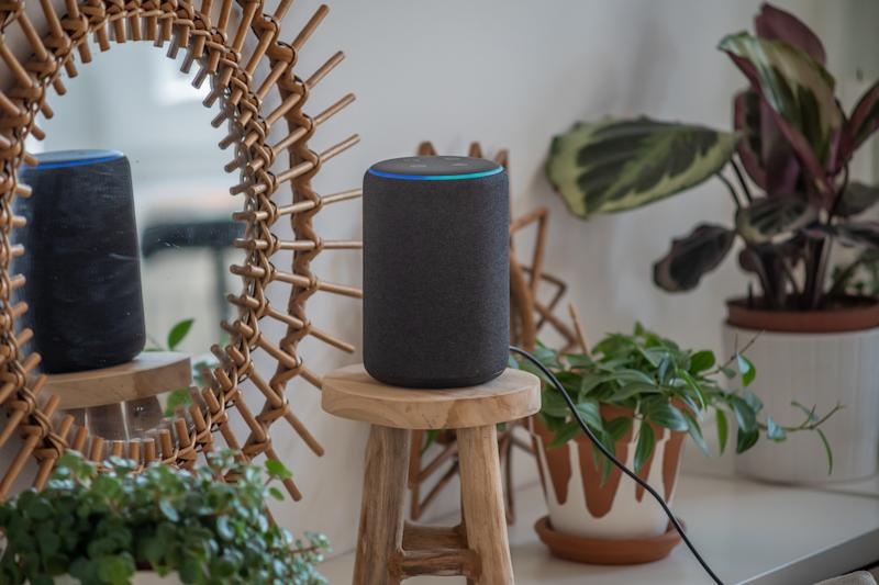 Prototipo di Amazon Alexa Echo Plus