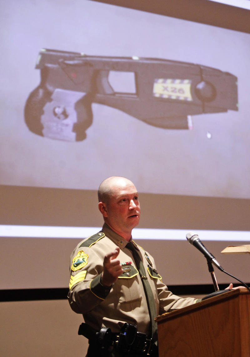 Vt. holds forum on 'stun gun' use by police