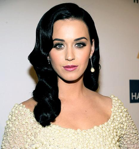 "Katy Perry: My Beauty Routine ""Spans an Hour and a Half"""