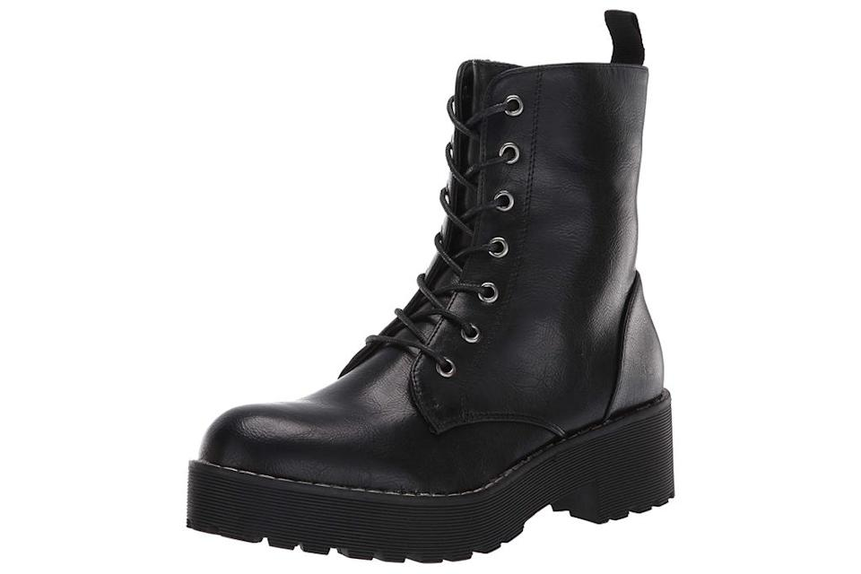 combat boots, dirty laundry