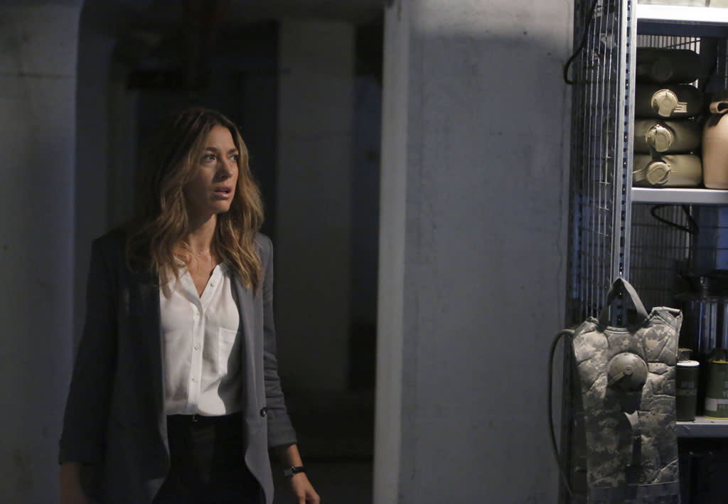 "Claire (Natalie Zea) runs into trouble in the ""The Fall"" episode of ""The Following."""