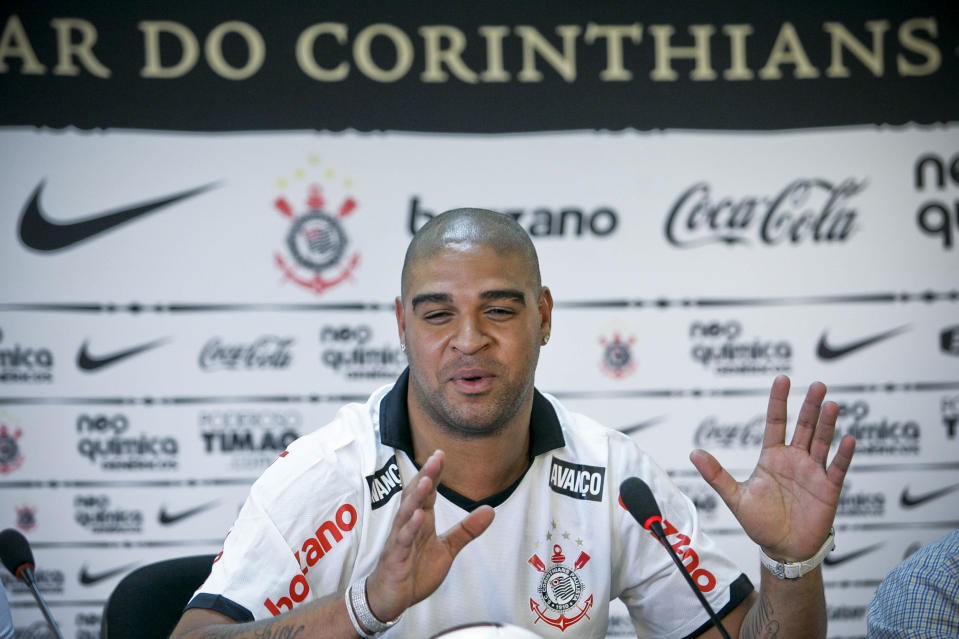 SAO PAULO, BRAZIL - MARCH 31: Adriano, from Brazil, speaks for the press during his persentation as new player of Corinthians on March 31, 2011 in Sao Paulo, Brazil. Adriano has already played for Flamengo; Internazionale, Fiorentina, Parma, Roma (Italy) and Sao Paulo FC. (Photo by Eduardo Anizelli/LatinContent via Getty Images)