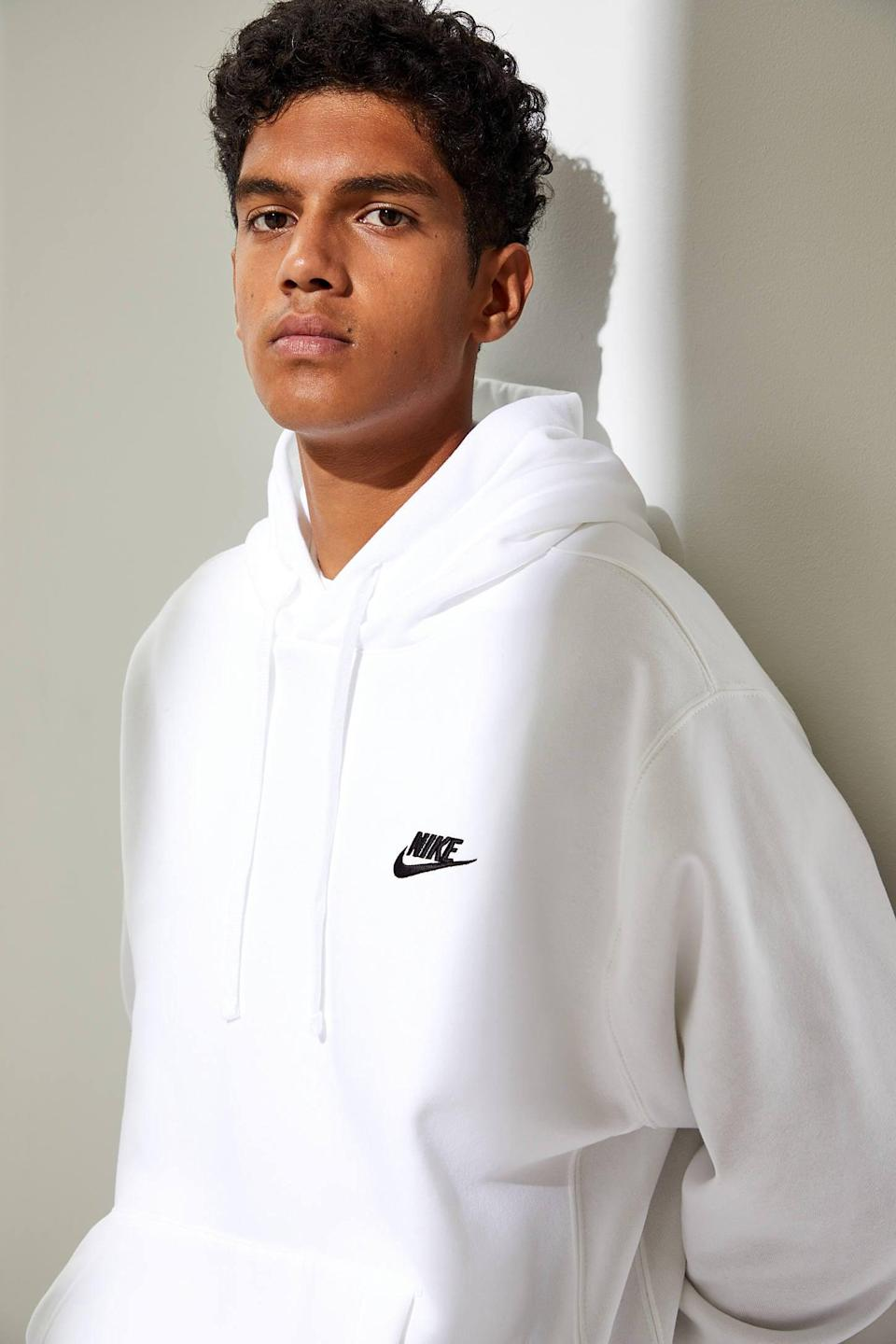 <p>Sporty guys will love this <span>Nike Sportswear Club Hoodie Sweatshirt</span> ($50).</p>