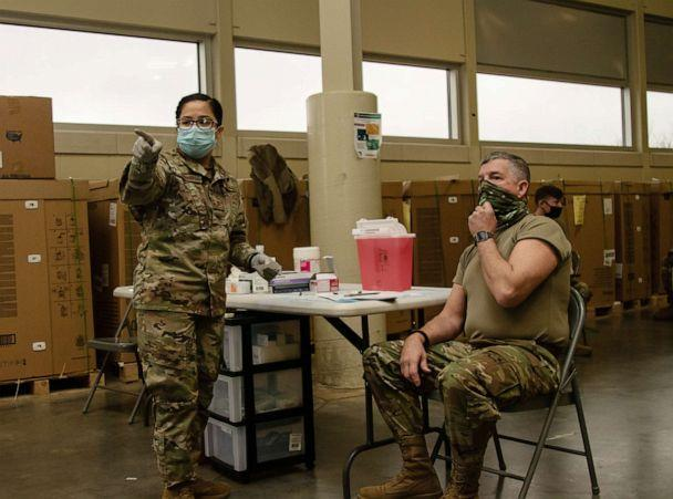 PHOTO: Alabama National Guard Soldiers and Airmen receive the COVID-19 vaccination from Alabama National Guard Medical Detachment Soldiers on Jan. 7, 2021. (William Frye/U.S. Army)