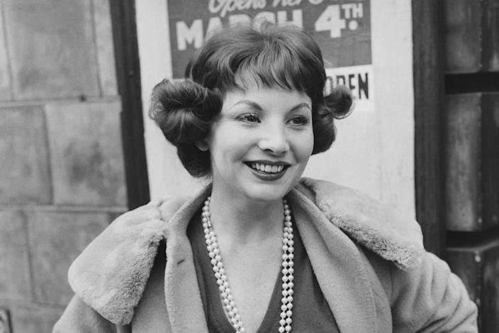 <p>Bayless arrives at a theatre in London for a rehearsal in 1958</p> (Getty)