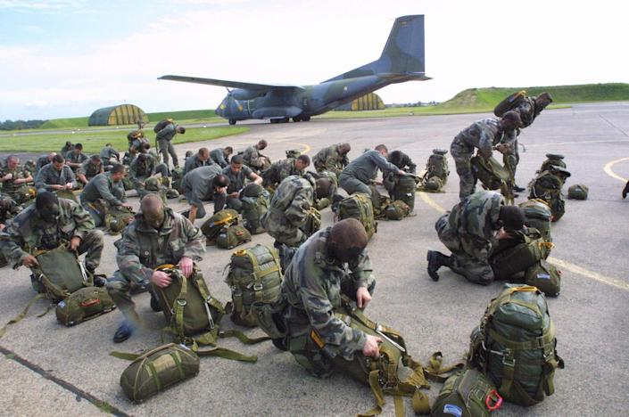 French paratroopers during training at airport