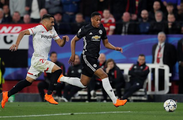 Soccer Football - Champions League Round of 16 First Leg - Sevilla vs Manchester United - Ramon Sanchez Pizjuan, Seville, Spain - February 21, 2018 Manchester United's Anthony Martial in action with Sevilla's Gabriel Mercado Action Images via Reuters/Andrew Couldridge