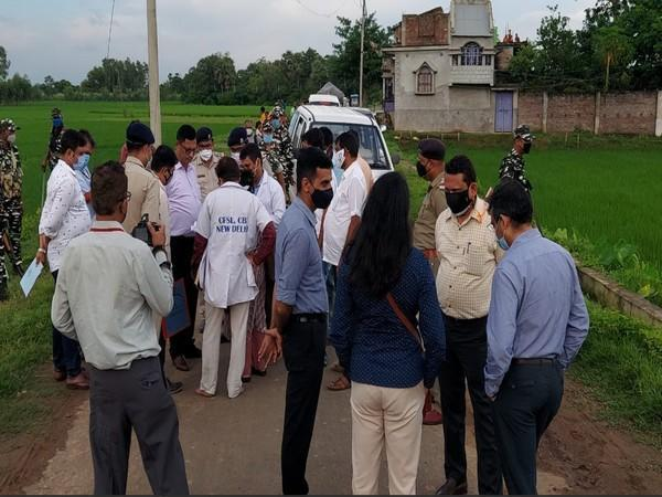CBI representatives arrived at Mallarpur on Sunday to investigate into the death of Zakir Hussain, a BJP worker. (Photos/ANI)