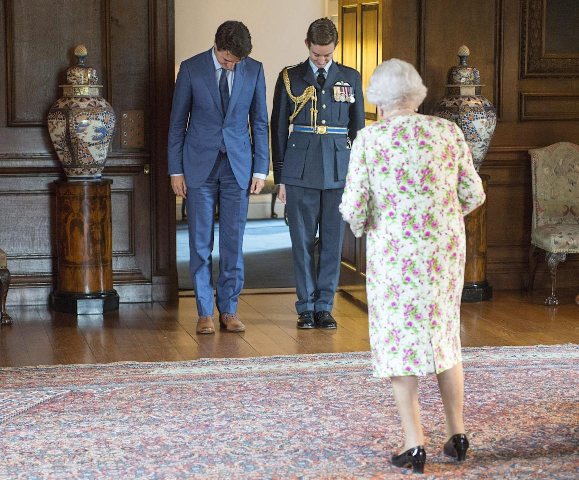 <p>Prime Minister Trudeau made a stop at Holyrood Palace after receiving an honorary doctorate in Edinburgh. (Canadian Press)<br /></p>