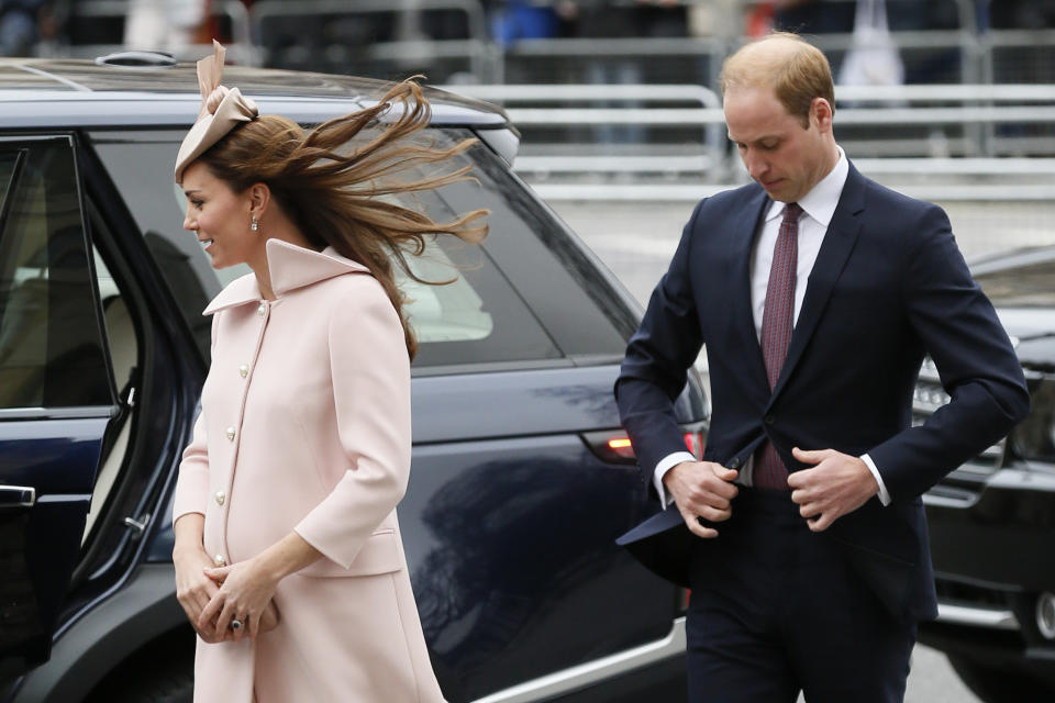 Britain's Prince William and his wife Catherine, Duchess of Cambridge, arrive for the Commonwealth Observance service at Westminster Abbey in London March 9, 2015.  REUTERS/Stefan Wermuth (BRITAIN - Tags: ROYALS RELIGION ANNIVERSARY ENTERTAINMENT)