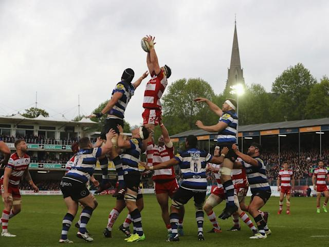 The two sides compete for a line-out (Getty)