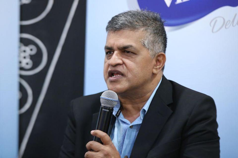 In a statement, Zunar, whose real name is Zulkiflee SM Anwarul Haque, said he knows who is behind the act and the groups they are operating in. ― Picture by Azinuddin Ghazali