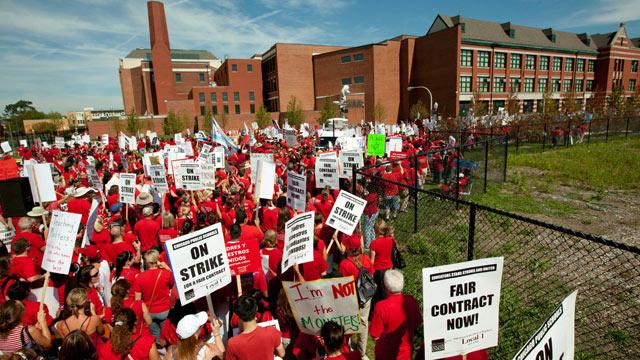 Chicago Teachers Union Won't Vote on Contract Deal; Strike Continues