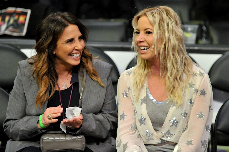 LOS ANGELES, CALIFORNIA - MARCH 24: Linda Rambis (L) and Jeanie Buss attend a basketball game between the Los Angeles Lakers and the Sacramento Kings at Staples Center on March 24, 2019 in Los Angeles, California. (Photo by Allen Berezovsky/Getty Images)