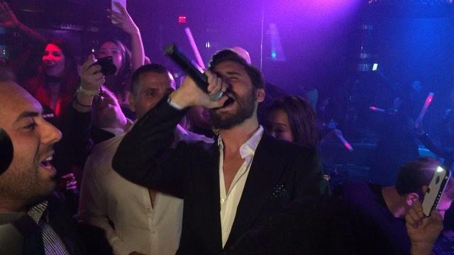 Cards Against Humanity Las Vegas >> Kourtney Kardashian Shares New Year's Kiss With Reign as Scott Disick Parties in Las Vegas