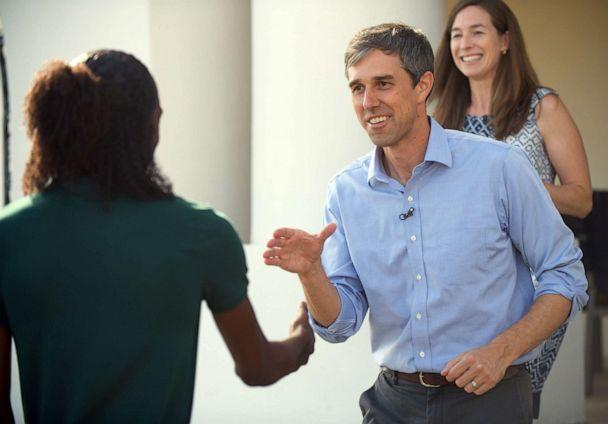 PHOTO: ABC News' Byron Pitts joins 2020 Democratic Presidential Candidate Beto O'Rourke and his family for dinner in their El Paso, Texas, home with three undecided voters. (Matt Petit/Walt Disney Television)