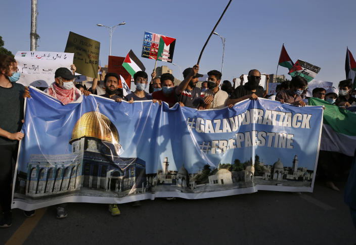 People take part in a rally in support of Palestinians organized by civil society organizations, in Islamabad, Pakistan, Monday, May 17, 2021. (AP Photo/Anjum Naveed)