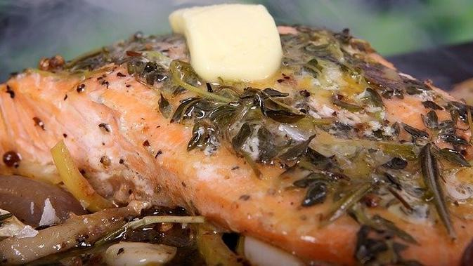 Salmon Kukus (Image by Shutterbug75 from Pixabay)