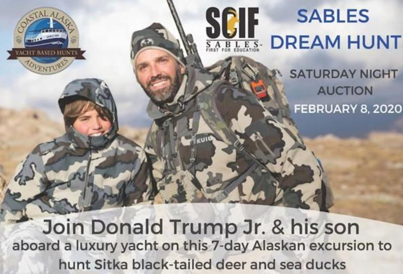 Un anuncio de la cacería de venado en Alaska en compañía de Donald Trump Jr. y su hijo que subasta la empresa Safari Club International. (Safari Club International)