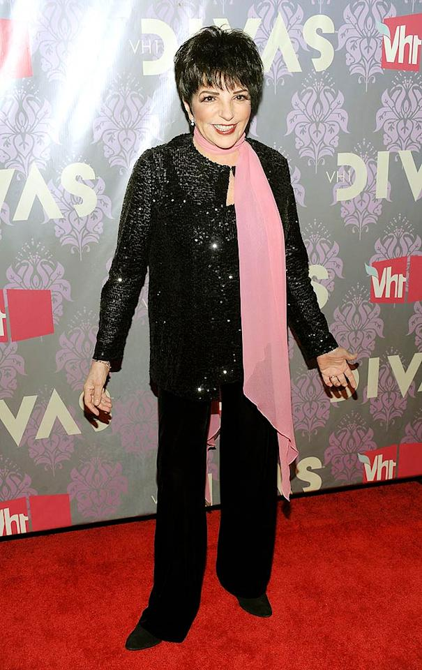 """Finally, a <i>real</i> diva! Liza Minnelli didn't disappoint in a sparkling sequined tunic, which she accessorized with a jaunty pink scarf. Dimitrios Kambouris/<a href=""""http://www.wireimage.com"""" target=""""new"""">WireImage.com</a> - September 17, 2009"""