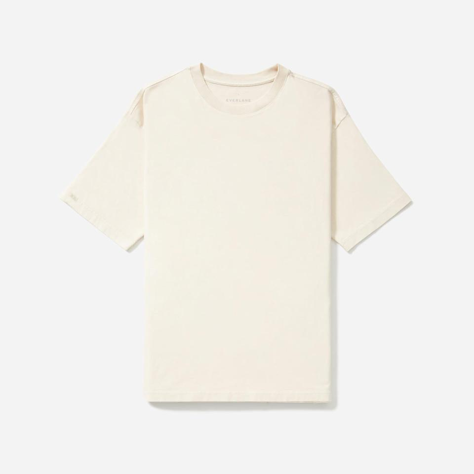 """<p><strong>Everlane</strong></p><p>everlane.com</p><p><strong>$20.00</strong></p><p><a href=""""https://go.redirectingat.com?id=74968X1596630&url=https%3A%2F%2Fwww.everlane.com%2Fproducts%2Fmens-hvywt-rlxd-crew-canvas&sref=https%3A%2F%2Fwww.esquire.com%2Fstyle%2Fmens-fashion%2Fg33391536%2Feverlane-summer-sale%2F"""" rel=""""nofollow noopener"""" target=""""_blank"""" data-ylk=""""slk:Buy"""" class=""""link rapid-noclick-resp"""">Buy</a></p><p>Or not.</p>"""