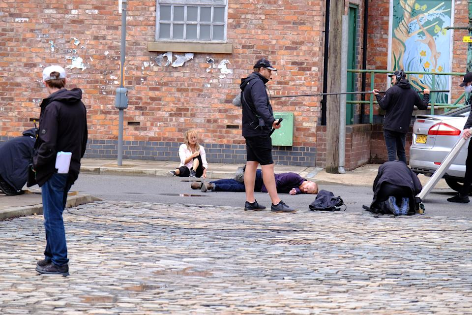 Filming on the Corrie set (Lee Raynor/ITV)