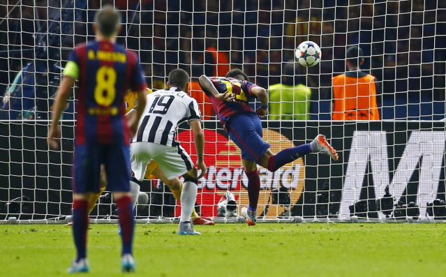 Football - FC Barcelona v Juventus - UEFA Champions League Final - Olympiastadion, Berlin, Germany - 6/6/15 Barcelona's Neymar scores a goal which is later disallowed for handball Reuters / Darren Staples