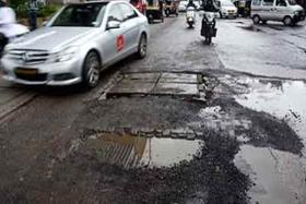 Mumbai: BMC spends Rs 2 lakh to fix a pothole, says Activist