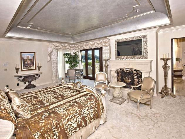 Hey, who's selling this house? A seven-time MVP or one of the Gabor sisters?