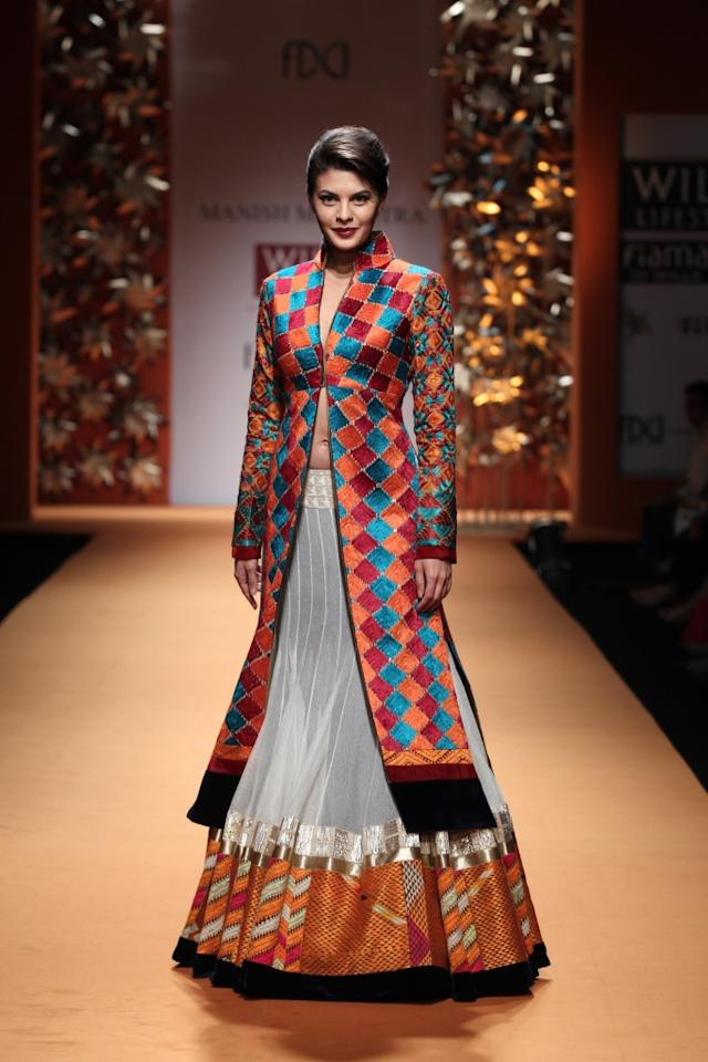 Another Bollywood beauty, Jacqueline Fernandez also walked for Manish Malhotra.