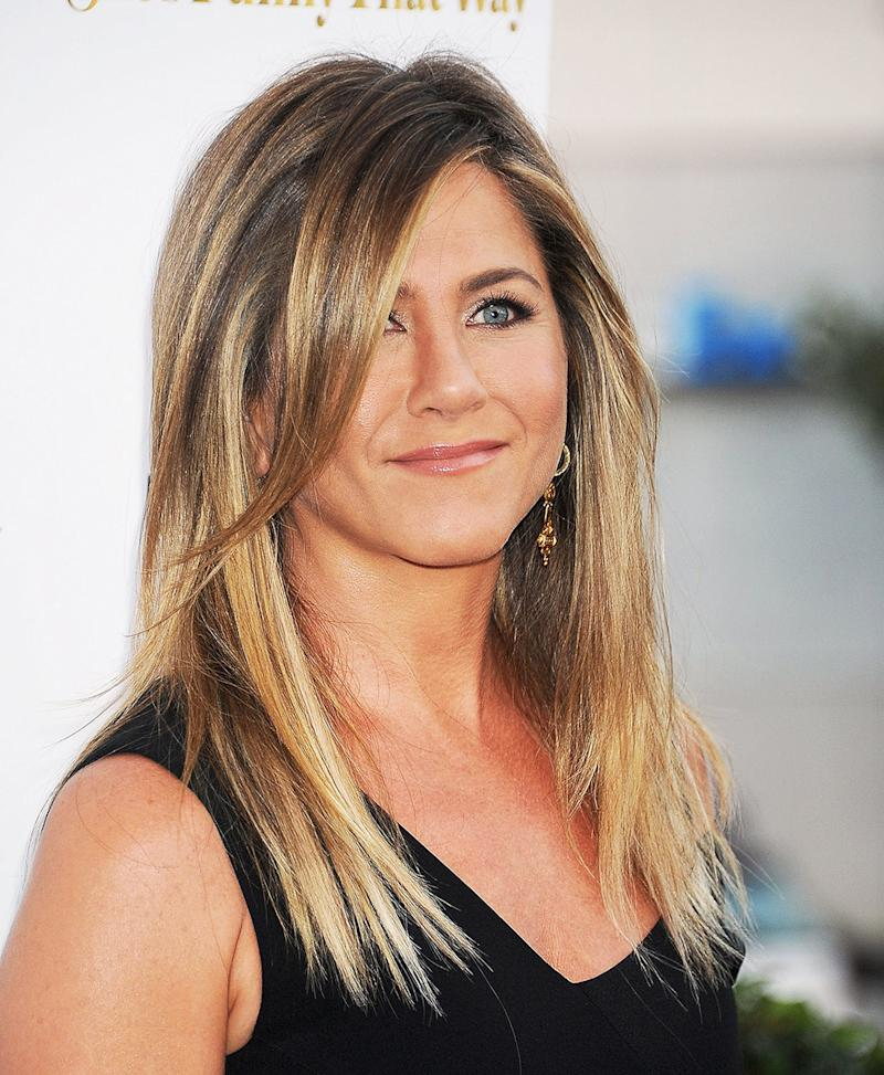 Jennifer Aniston Has Been A Hair Icon Since Her Days As Rachel Green On Friends Back In The 90s Sleek Layered Style Dubbed Sent Women