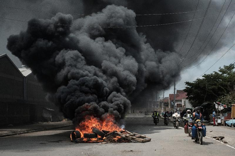 Tensions had risen across the country ahead of the ruling, with violent clashes between opposition supporters and police in Nairobi on Friday (AFP Photo/YASUYOSHI CHIBA)
