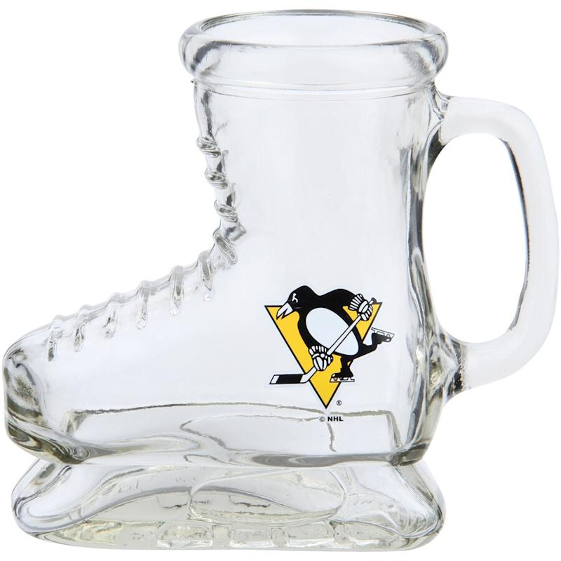 Penguins 16oz. Skate Glass