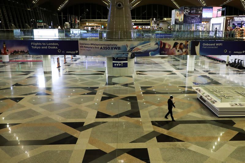 Malaysia to enter lockdown, closing border to foreigners