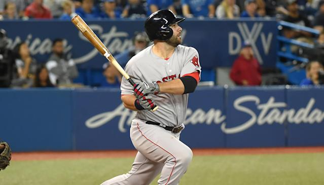 """The Red Sox re-upped with <a class=""""link rapid-noclick-resp"""" href=""""/mlb/players/8772/"""" data-ylk=""""slk:Mitch Moreland"""">Mitch Moreland</a>, which likely means that <a class=""""link rapid-noclick-resp"""" href=""""/mlb/players/8857/"""" data-ylk=""""slk:Eric Hosmer"""">Eric Hosmer</a> isn't headed to Boston. (AP)"""