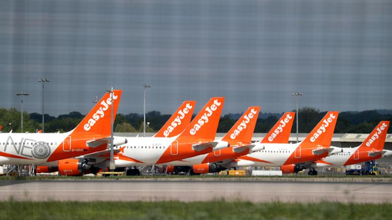 EasyJet shareholders back board in feud with founder