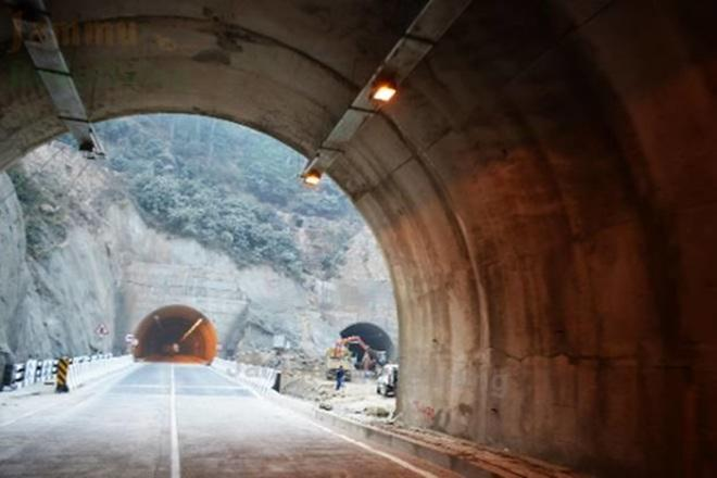 Zojila tunnel, zojila tunnel connects, zojila tunnel work status, zojila pass tunnel completion date, zojila pass connects, zojila tunnel inauguration, zojila tunnel upsc, Zojila tunnel status