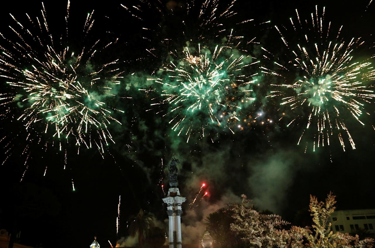 <p>Fireworks explode after Ecuador's President Lenin Moreno gave a speech to supporters from the government palace's balcony following his inauguration ceremony in Quito, Ecuador, May 24, 2017. REUTERS/Henry Romero </p>