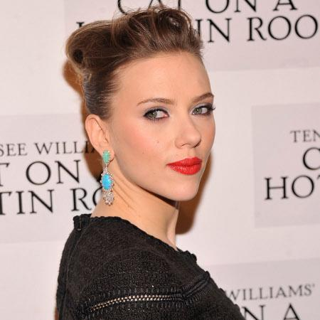 Scarlett Johansson uses natural skin remedies