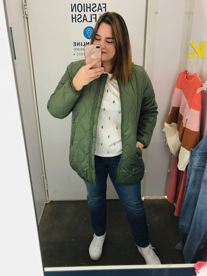 """<p><strong>The Verdict:</strong> I am obsessing over this coat - it's perfect for those rainy Spring days, and the interior lining is cozy. The t-shirt includes a fun cactus print that works from now through Summer. I absolutely need these jeans too because the high-waisted cut smooths my stomach. I'd wear them regularly.</p> <p><strong>The Pieces:</strong><br> <a href=""""https://www.popsugar.com/buy/Water-Resistant-Sherpa-Lined-Quilted-Jacket-548317?p_name=Water-Resistant%20Sherpa-Lined%20Quilted%20Jacket&retailer=oldnavy.gap.com&pid=548317&price=25&evar1=fab%3Aus&evar9=47209587&evar98=https%3A%2F%2Fwww.popsugar.com%2Ffashion%2Fphoto-gallery%2F47209587%2Fimage%2F47209590%2FQuilted-Jacket-Cactus-Tee-Skinny-Jeans&list1=shopping%2Cold%20navy%2Ceditors%20pick%2Cspring%20fashion%2Caffordable%20shopping&prop13=api&pdata=1"""" rel=""""nofollow"""" data-shoppable-link=""""1"""" target=""""_blank"""" class=""""ga-track"""" data-ga-category=""""Related"""" data-ga-label=""""https://oldnavy.gap.com/browse/product.do?pid=484583012&amp;pcid=999&amp;vid=1#pdp-page-content"""" data-ga-action=""""In-Line Links"""">Water-Resistant Sherpa-Lined Quilted Jacket</a> ($25, originally $65)</p> <p><a href=""""https://www.popsugar.com/buy/EveryWear-Printed-Slub-Knit-Tee-548318?p_name=EveryWear%20Printed%20Slub-Knit%20Tee&retailer=oldnavy.gap.com&pid=548318&price=9&evar1=fab%3Aus&evar9=47209587&evar98=https%3A%2F%2Fwww.popsugar.com%2Ffashion%2Fphoto-gallery%2F47209587%2Fimage%2F47209590%2FQuilted-Jacket-Cactus-Tee-Skinny-Jeans&list1=shopping%2Cold%20navy%2Ceditors%20pick%2Cspring%20fashion%2Caffordable%20shopping&prop13=api&pdata=1"""" rel=""""nofollow"""" data-shoppable-link=""""1"""" target=""""_blank"""" class=""""ga-track"""" data-ga-category=""""Related"""" data-ga-label=""""https://oldnavy.gap.com/browse/product.do?pid=507516012&amp;pcid=999&amp;vid=1#pdp-page-content"""" data-ga-action=""""In-Line Links"""">EveryWear Printed Slub-Knit Tee</a> ($9, originally $15)</p> <p><a href=""""https://www.popsugar.com/buy/Mid-Rise-Built--Sculpt-Rockstar-Raw-Hem-Super-Skinny-Jeans-548322?p_na"""