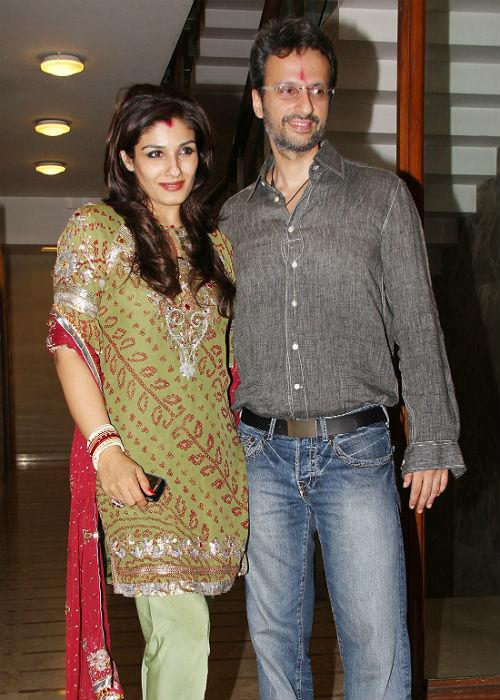 <b>8. Raveena Tandon- Anil Thadani</b><br><br>Raveena Tandon married film distributor Anil Thadani in 2004. Anil was earlier married to Natasha Sippy. Natasha is the daughter of the producer Romu Sippy. The divorce was a controversial affair as the Sippys blamed Raveena for the failure of Natasha and Anil's relationship. Raveena gave birth to a girl called Rasha in 2005 and a boy named Ranbir in 2007.