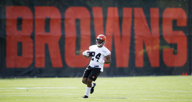 Cleveland Browns' Nick Chubb runs through a drill during an NFL football organized team activity session at the team's training facility Wednesday, May 15, 2019, in Berea, Ohio. (AP Photo/Ron Schwane)