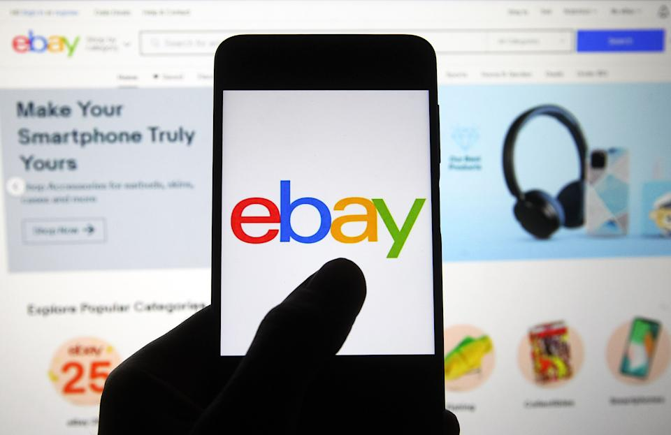UKRAINE - 2020/11/07: In this photo illustration an eBay logo seen on a smartphone screen in front of Ebay homepage. (Photo Illustration by Pavlo Gonchar/SOPA Images/LightRocket via Getty Images)