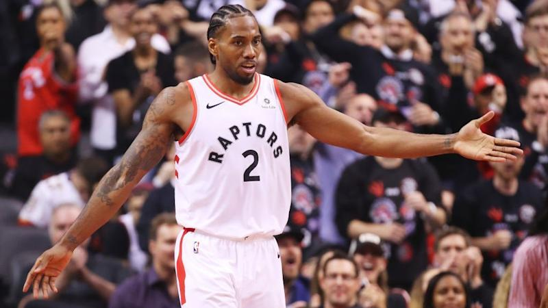 new product c488b 8057d Rumor: Kawhi Leonard to re-sign with Raptors on short-term deal