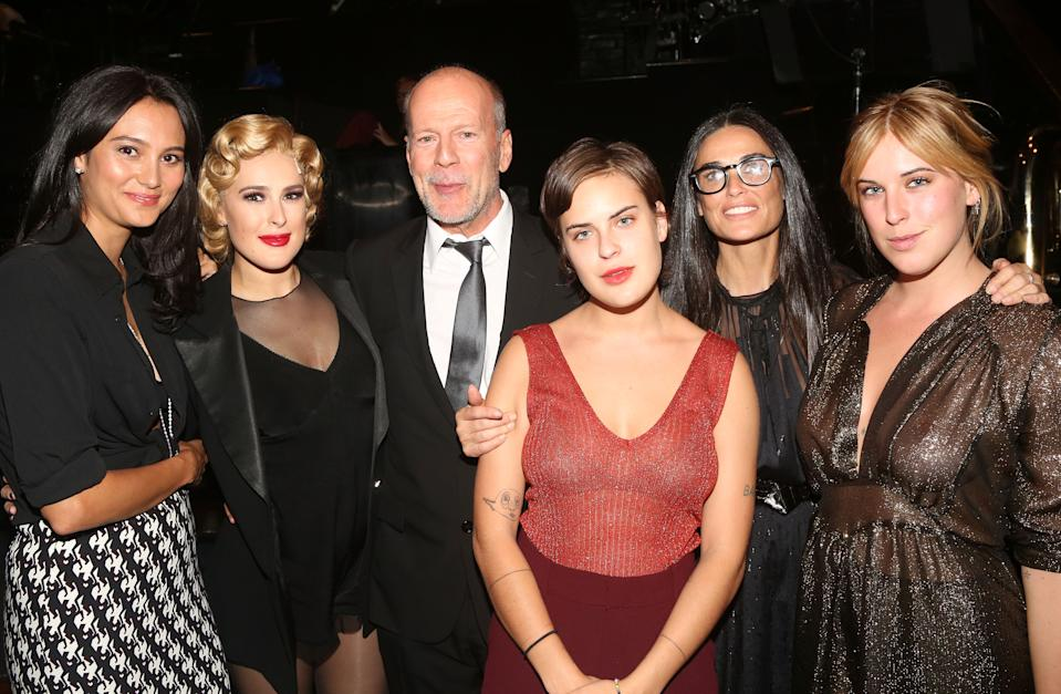 (L-R) Emma Heming, Rumer Willis, Bruce Willis, Tallulah Willis, Demi Moore and Scout Willis, together in 2015. (Photo: Bruce Glikas/FilmMagic)