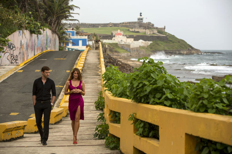 "This image released by 20th Century Fox shows Justin Timberlake, left, and Gemma Arterton in a scene from ""Runner Runner."" (AP Photo/20th Century Fox, Scott Garfield)"