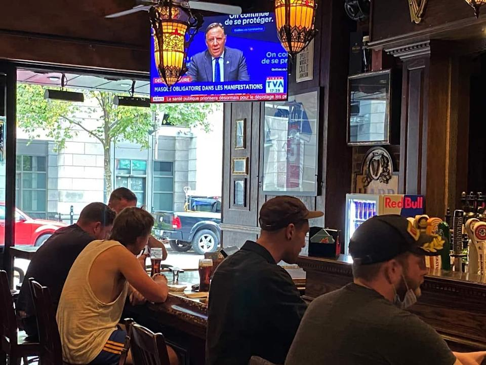Bars and restaurants will once again be allowed to operate at full capacity, and stay open until 3 a.m. (Ryan Remiorz/The Canadian Press - image credit)