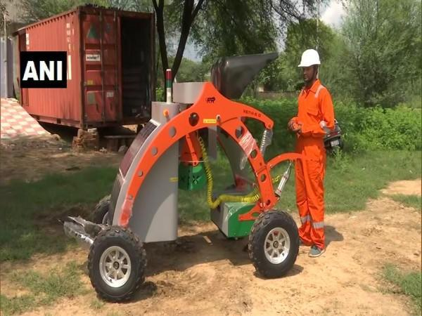 Jaipur company develops robot for drainage cleaning with aim to eliminate manual scavenging