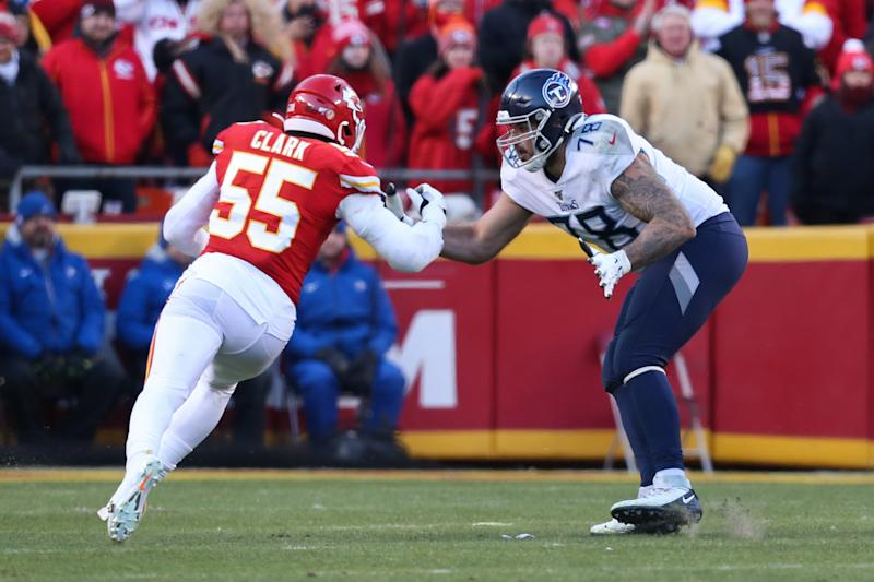 Tennessee Titans offensive tackle Jack Conklin (78) blocks Kansas City Chiefs defensive end Frank Clark (55). (Photo by Scott Winters/Icon Sportswire via Getty Images)
