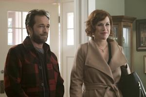 Riverdale Episode 10 Molly Ringwald Mary Luke Perry Fred
